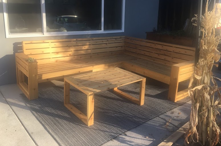 Outdoor Coffee Table – Final Assembly